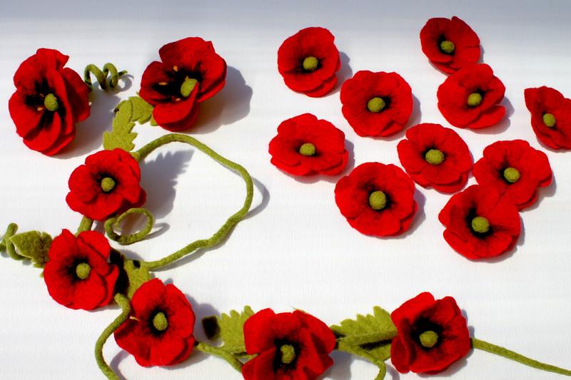 Mafiz mafizgarland poppy garland red poppy flowers red garland with poppy flowers felted by hand mightylinksfo